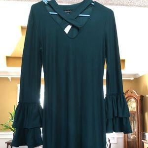 Dark green long sleeve dress!